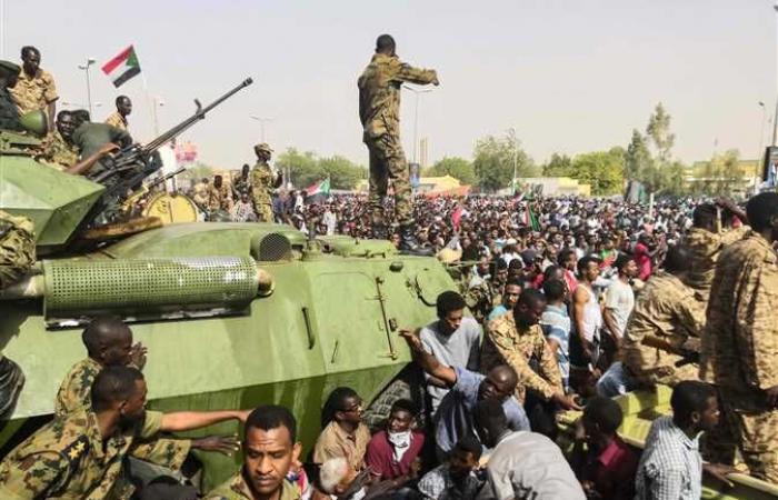 أبرز مؤشرات الاقتصاد السوداني في 10 نقاط.. الدولار بـ 47.6 جنيه و74% معدل التضخم