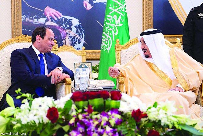 خادم الحرمين يدعو السيسى لحضور قمة التعاون الإسلامي في مكة
