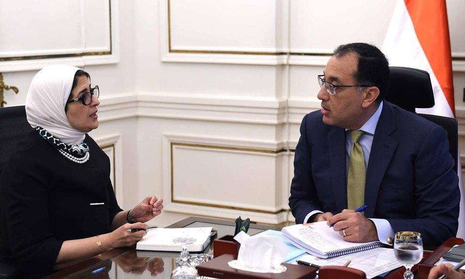 تنفيذا لتكليفات الرئيس السيسى: رئيس الوزراء يلتقى وزيرة الصحة لمتابعة المرحلة التجريبية لمنظومة التامين الصحى ببورسعيد