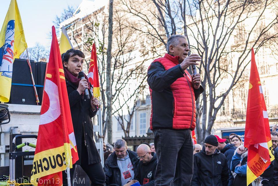فرنسا: جورج مافريكوس يقف مع المضربين في مرسيليا