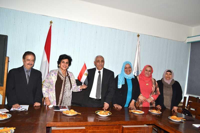 """علم مصر افضل تكريم """"للنقيب"""" من ممثلات المراة العاملة"""